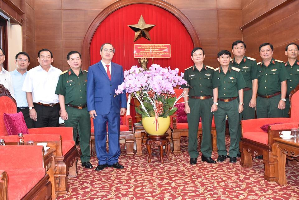 Bí thư Nguyễn  Thiện Nhân đến thăm Bộ Tư lệnh Quân khu 7 chiều 28/4/2020