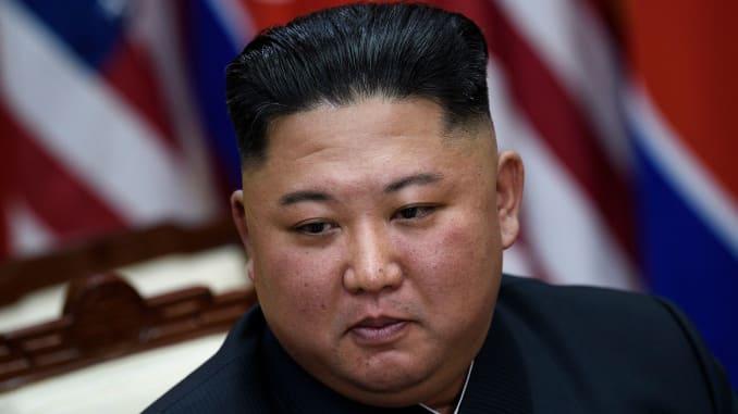 Nhà lãnh đạo Triều Tiên Kim Jong-un trước cuộc gặp với Tổng thống Mỹ Donald Trump ở phía nam giới tuyến ở khu phi quân sự (DMZ) Panmunjom tháng 6/2019 - Ảnh: AFP