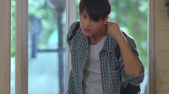 Vai diễn trong Beat đưa tên tuổi của Jung Woo Sung vụt sáng.
