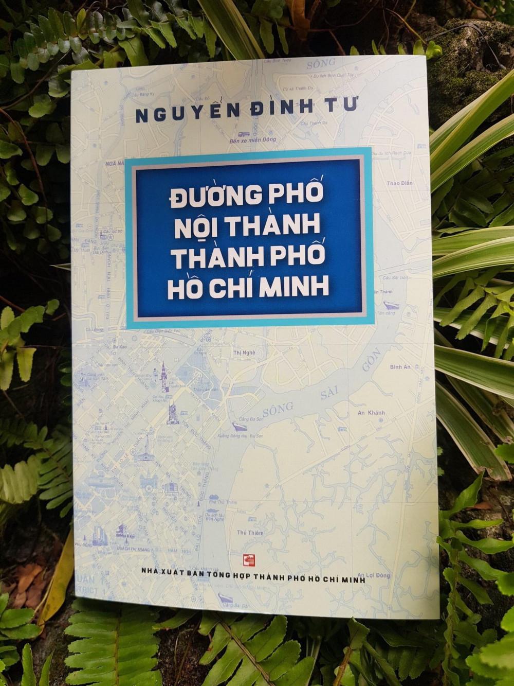 Sổ tay đường phố của nhà nghiên cứu Nguyễn Đình Tư