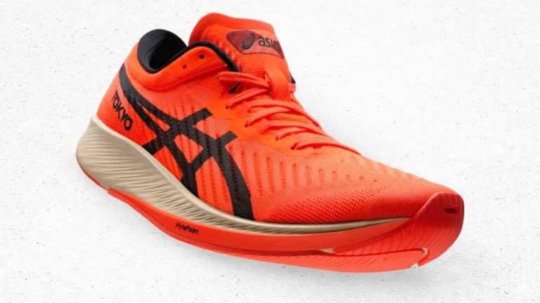 Mẫu giày mới của Asics.