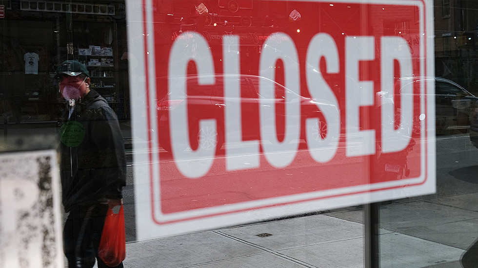 Một cửa hàng đóng cửa ở New York (Mỹ). Ảnh: RT