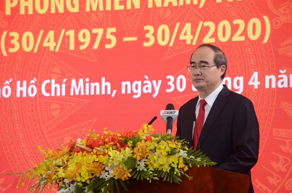Ủy viên Bộ Chính trị, Bí thư Thành ủy TP. Hồ Chí Minh Nguyễn Thiện Nhân phát biểu tại lễ kỷ niệm
