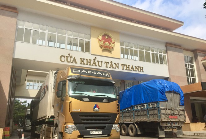 Cửa khẩu Tân Thanh được thông quan giúp giải tỏa hàng hóa ùn ứ giữa hai nước - Ảnh minh họa