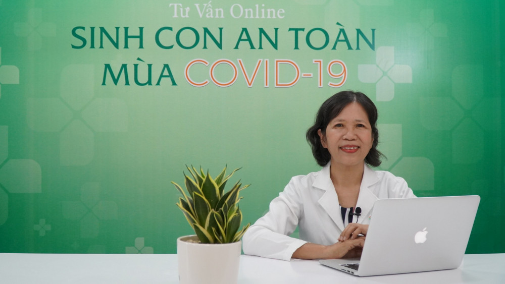 Bác sĩ Lương Kim Chi tham gia tư vấn trực tuyến. Ảnh: TWG Group cung cấp