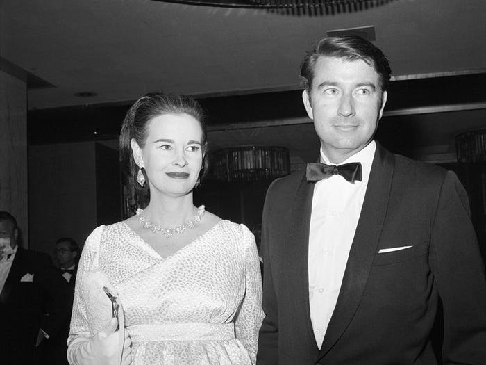 Bà Gloria Vanderbilt và ông Wyatt Cooper.