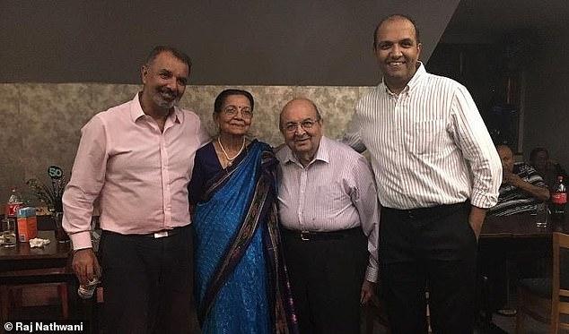Anh Raj Nathwani (bìa trái) với mẹ Kanchan, cha Suri và em trai Manish