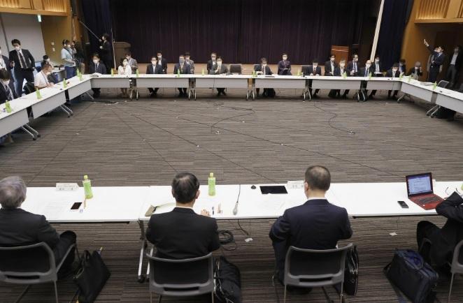 Các chuyên gia và giới chức Nhật Bản họp mặt vào ngày 4/5, trước khi Thủ tướng chính thức thông báo quyết định kéo dài tình trạng khẩn cấp toàn quốc đến 31/5.