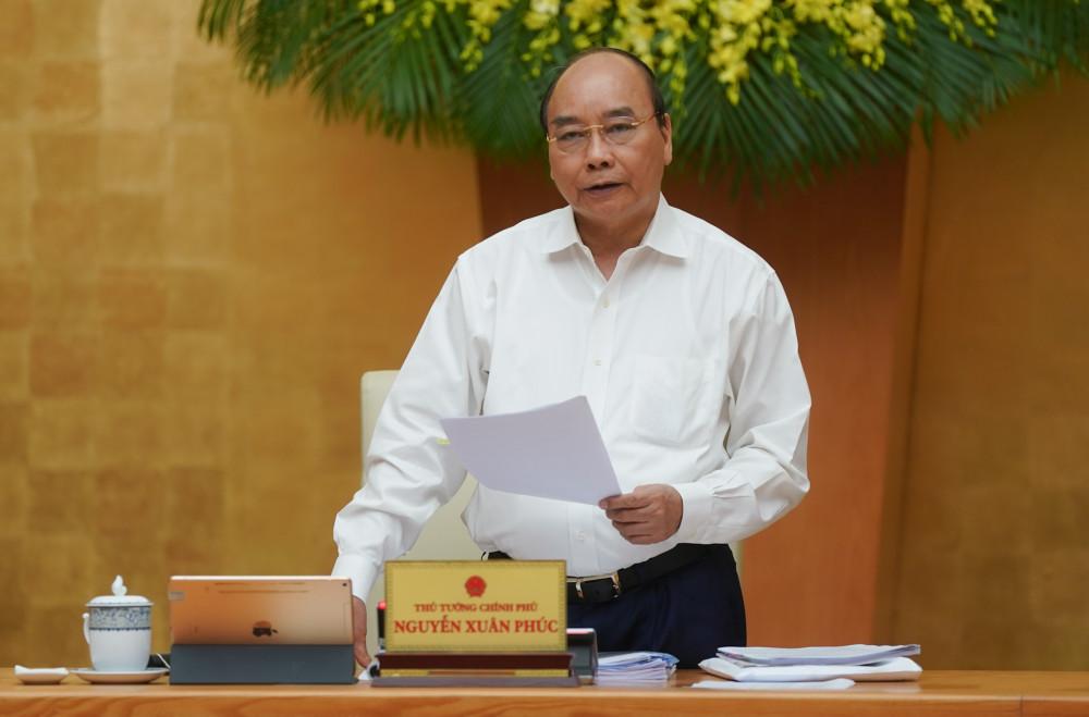 Thủ tướng Chính phủ chỉ đạo tại phiên họp.