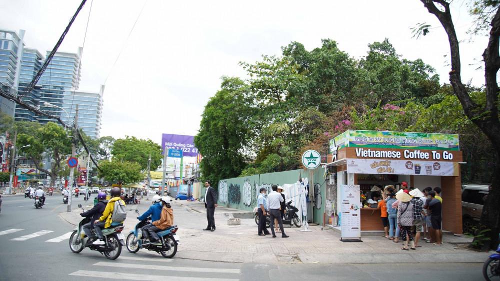 Ki-ốt cà phê mang đi trên đường Tú Xương - Cách Mạng Tháng 8