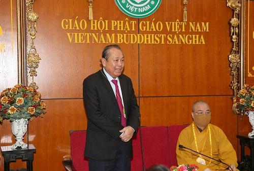 Phó Thủ tướng Thường trực Chính phủ Trương Hòa Bình phát biểu chúc mừng Trung ương Giáo hội Phật giáo Việt Nam và tăng, ni, phật tử - Ảnh: VGP/Lê Sơn