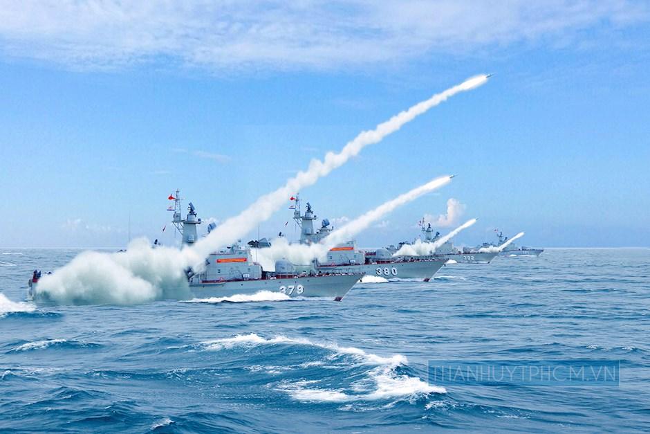 Biên đội Tàu tên lửa 12418 công kích tên lửa tiêu diệt mục tiêu trên biển