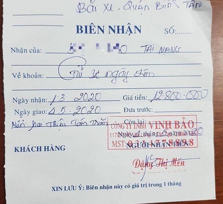 Chủ phương tiện bị thu gần 13 triệu đồng tiền gửi xe.
