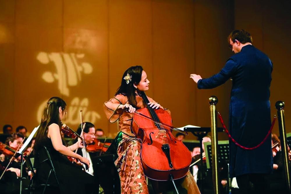 Trong tim tiến sĩ âm nhạc Đinh Hoài Xuân, cello là một người bạn tri kỷ vững chãi và vô cùng ấm áp