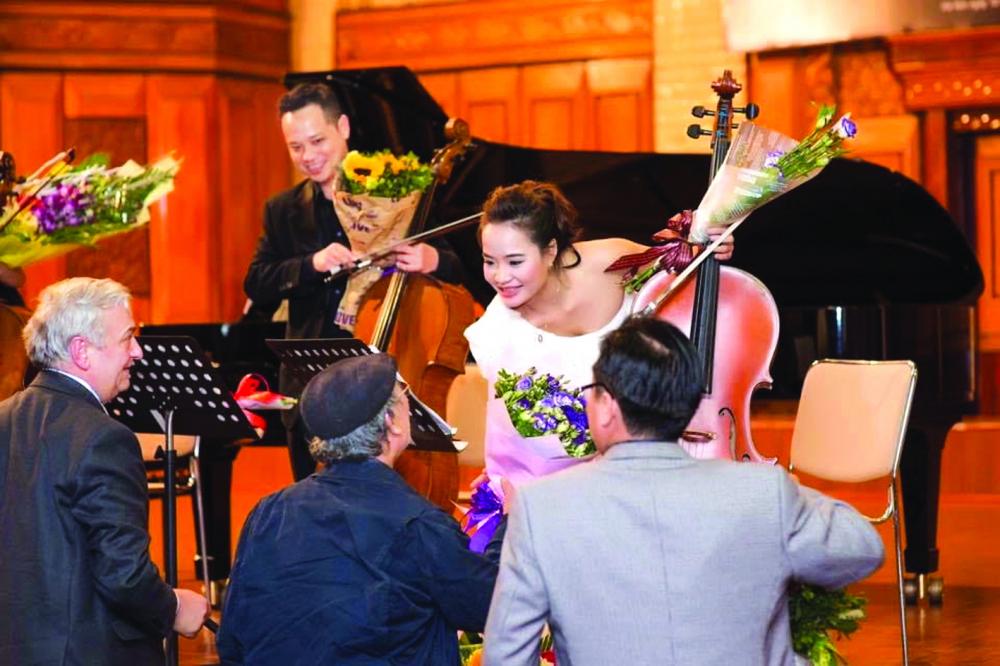 Với tiến sĩ Đinh Hoài Xuân, quê hương là nơi tuyệt diệu nhất trên trái đất này nên chị chọn quay về và tiếp tục đồng hành cùng cello