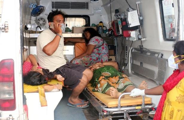 Nguồn tin ban đầu cho thấy ít nhất 9 người thiệt mạng, từ 300-400 người phải nhập viện.