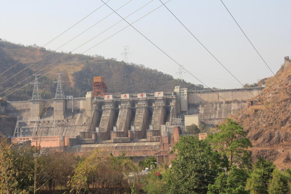 Đập Mạn Loan (Manwan) của Trung Quốc. Ước tính các đập thủy điện đã giữ lại lượng lớn phù sa và trầm tích của sông trước khi nó chảy xuống các quốc gia ở hạ lưu - Ảnh: Tổ chức Sông ngòi Quốc tế