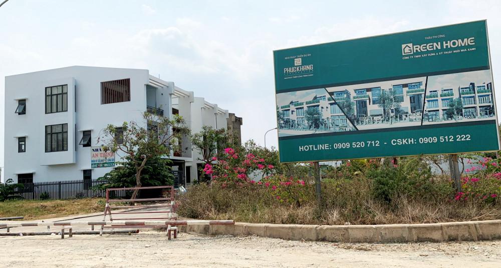 Đến nay, dự án Làng Sen Việt Nam vẫn chưa hoàn chỉnh hạ tầng khiến khách hàng không được cấp giấy chủ quyền