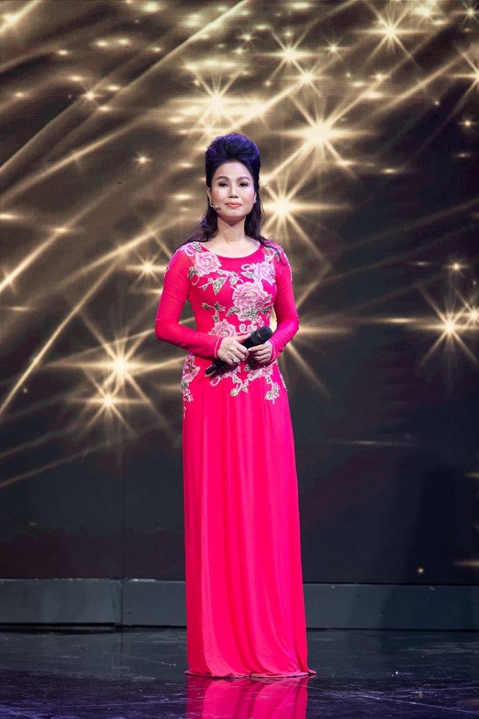 Ca sĩ Thuỳ Trang bắt đầu hát nhạc của nhạc sĩ Vũ Đức Sao Biển từ năm 19 tuổi