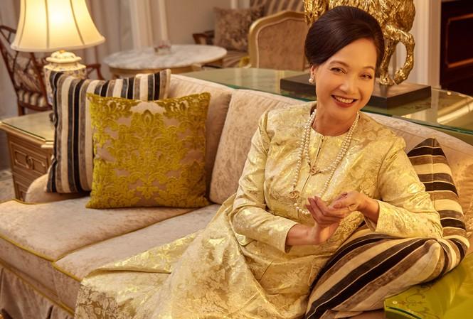 NSND Lê Khanh thừa hưởng tình yêu với nghệ thuật và sự khéo léo, tháo vác từ mẹ