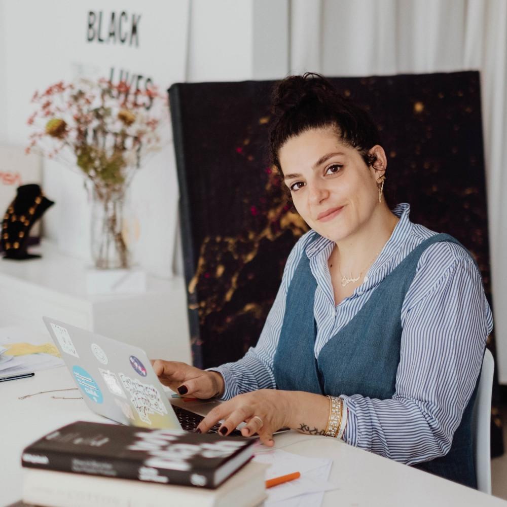 Celine Semaan: Thời trang hướng đến cộng đồng