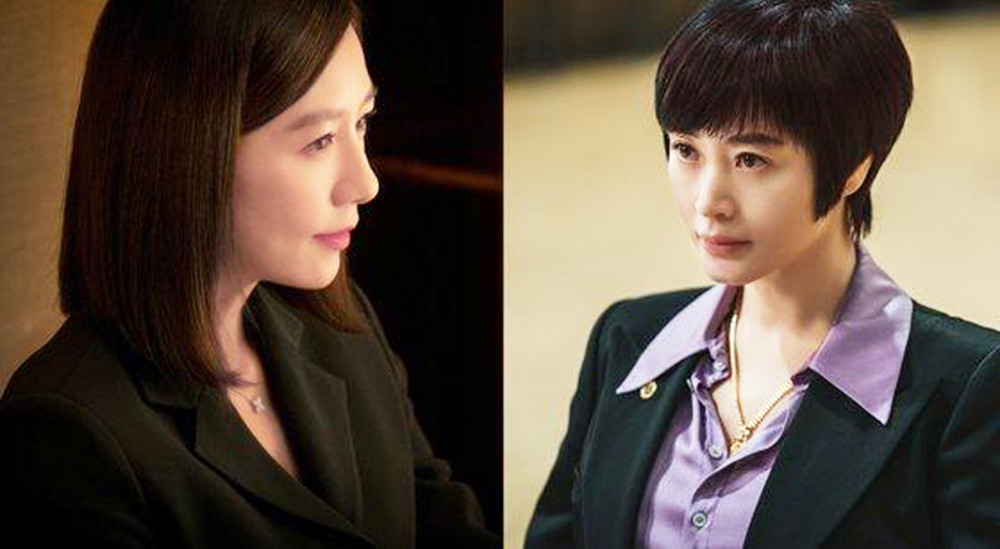 Ở độ tuổi U60, hai diễn viên phim Thế giới hôn nhân và Linh cẩu - Kim Hee Ae (trái) và Kim Hye Soo vẫn thuyết phục người xem bởi nhan sắc cùng tài năng của mình