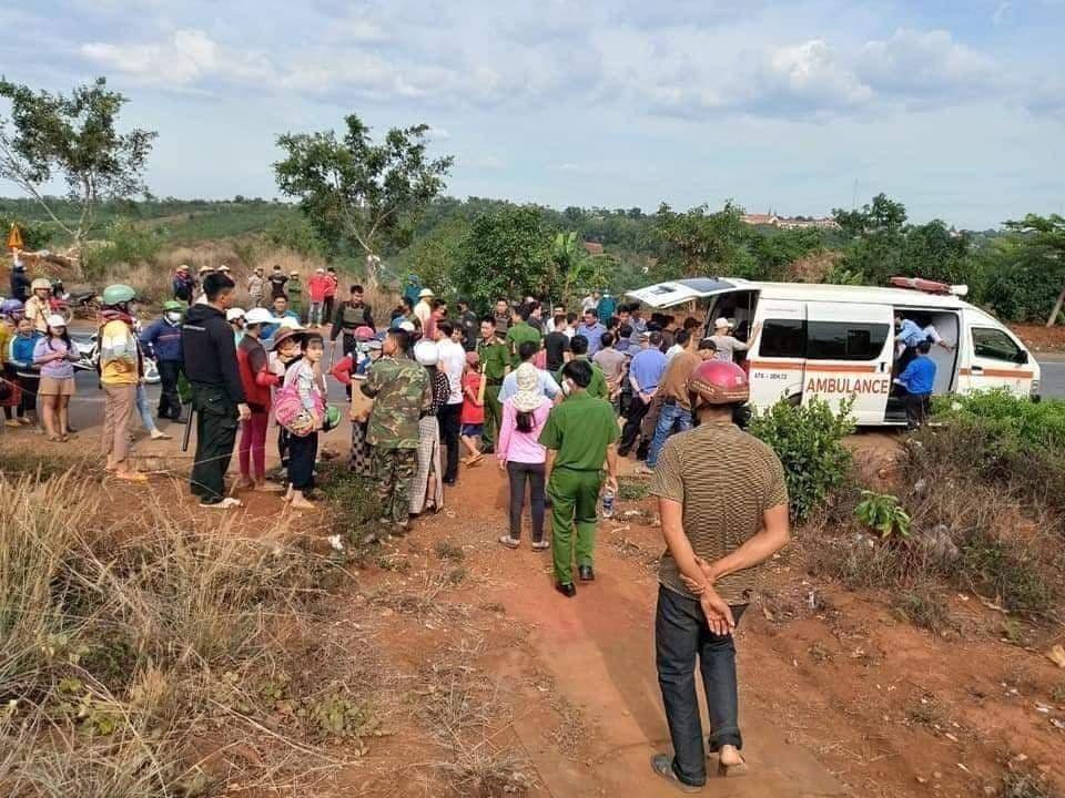 Lực lượng chức năng tổ chức giải cứu hai cháu bé