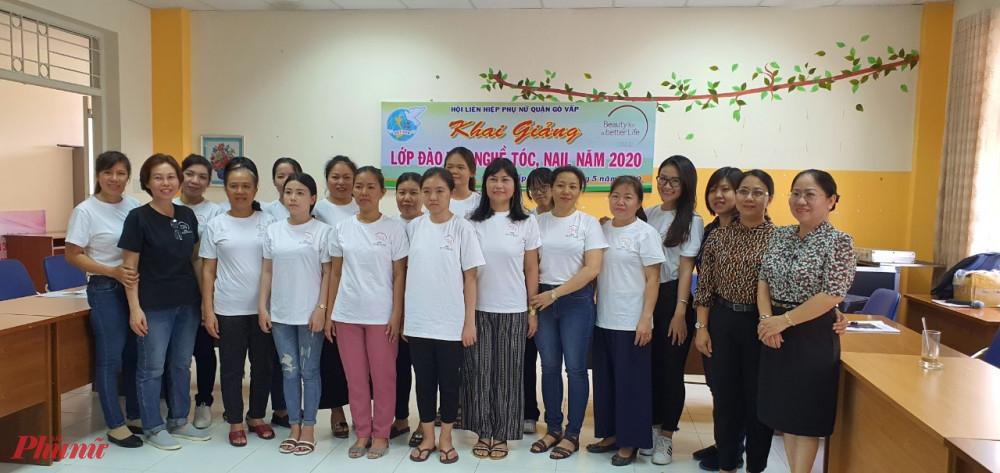 Hội LHPN quận Gò Vấp vừa tổ chức khai giảng lớp đào tạo nghề tóc, nail cho họi viên phụ nữ