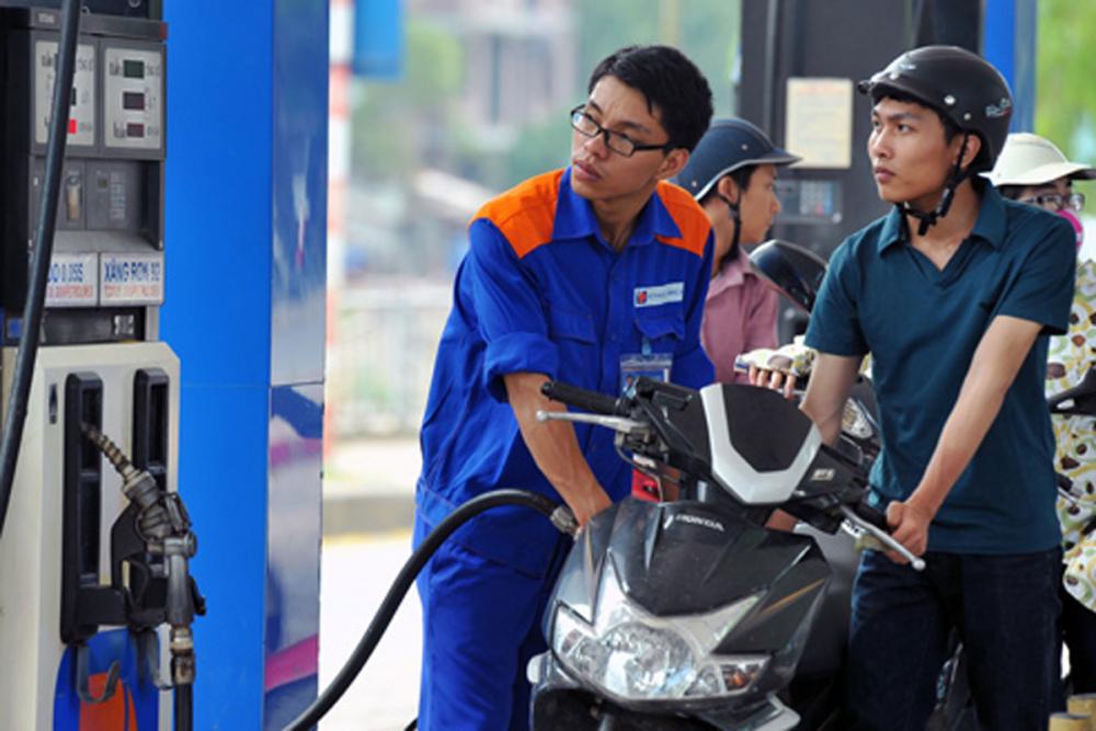 Gía xăng dầu tại kỳ điều chỉnh ngày mai có thể tăng trở lại sau 8 kỳ giảm liên tục. Ảnh minh họa