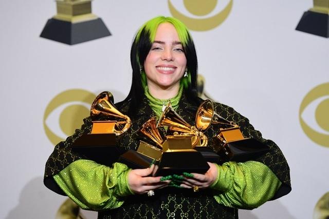 Billie Eilish từng lập kỳ tích tại giải Grammy 2020, thành tích vượt xa nhiều tên tuổi lớn trong lĩnh vực ca hát.