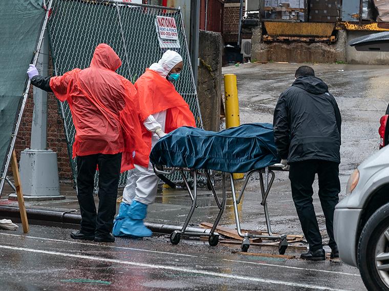 Hơn 1.500 người chết tại Mỹ trong 24 giờ qua.