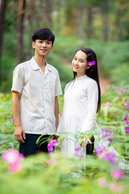 Mắt biếc được nhận xét chưa vượt qua Tôi thấy hoa vàng trên cỏ xanh cũng của đạo diễn Victor Vũ.