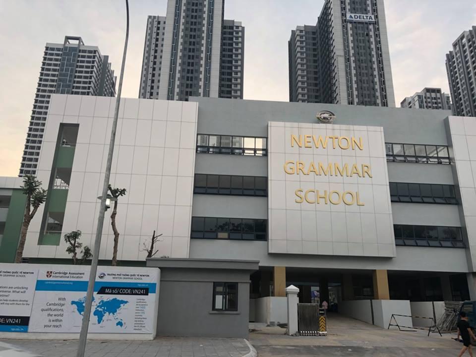 Trường Newton