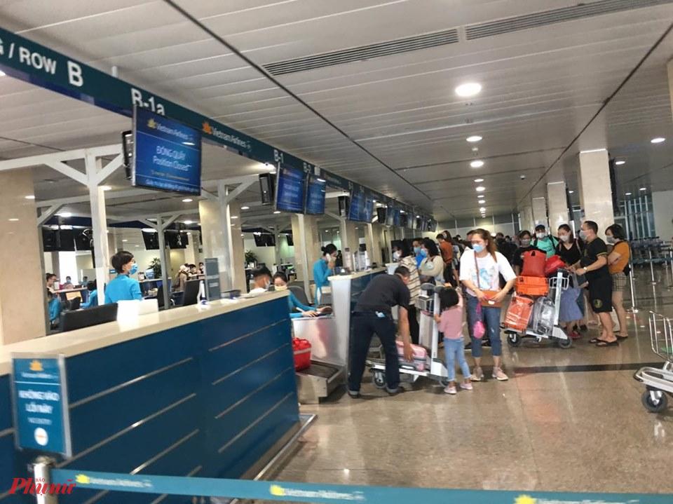 Bán vé giá rẻ, VNA chỉ cho phép hành khách mang theo 12kg hành lý xách tay