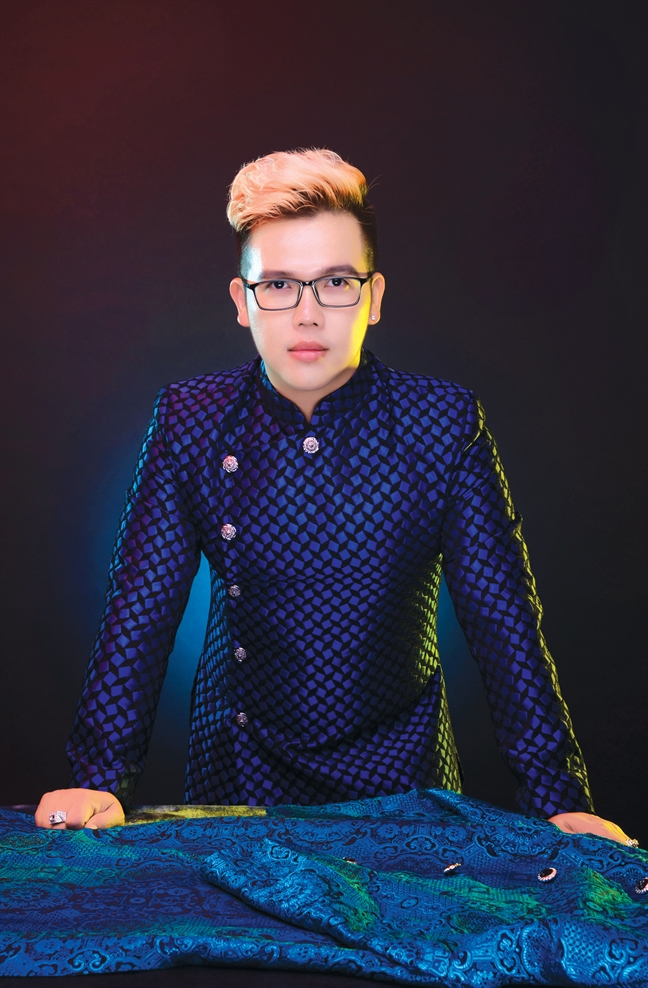 NTK Đặng Trọng Minh Châu chia sẻ bí quyết chọn kiểu, vải may áo dài khắc phục nhược điểm cơ thể