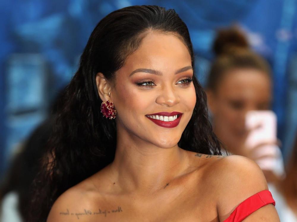 Rihanna giàu lên nhanh chóng nhờ kinh doanh.