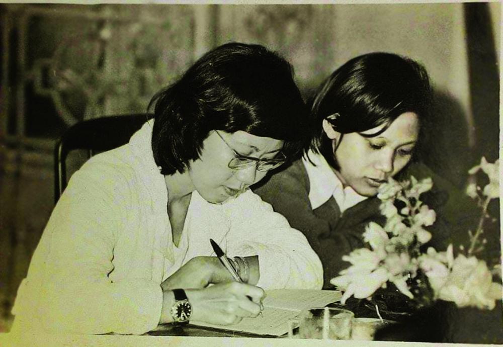 Trong cuộc họp tòa soạn tại trụ sở cơ quan cũ 188 Lý Chính Thắng, Q.3, TP.HCM, năm 1985