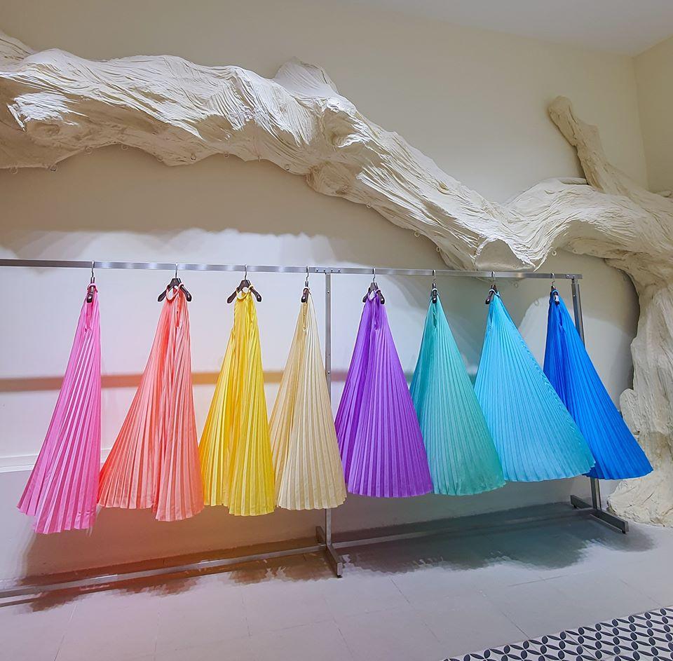 Hiện tại, việc sử dụng chất liệu với thành phần cotton tự nhiên cao, hoặc lụa, linen được xem là giải pháp tối ưu