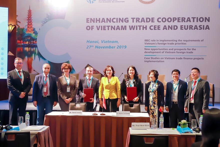 """Đại diện Agribank tham gia diễn đàn kinh doanh Hội đồng Ngân hàng hợp tác kinh tế quốc tế (IBEC)  với chủ đề """"Tăng cường hợp tác thương mại giữa Việt Nam và khu vực Trung-Đông Âu và Á-Âu"""""""
