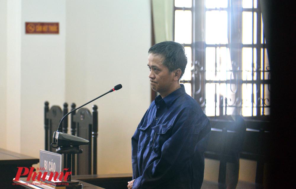 Nguyễn Tiến Dũng - nhân viên Trung tâm Hỗ trợ xã hội TP.HCM tại phiên tòa sáng 15/5/2020