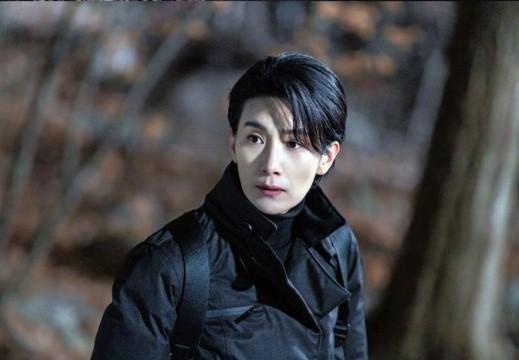 Đầu năm 2020, Kim Seo Hyung thành công với vai chính diện hiếm hoi trong Nobody Knows.