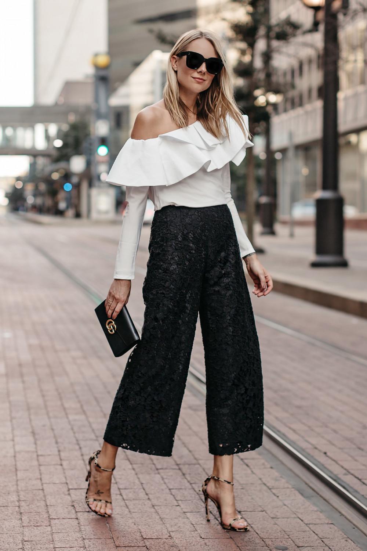 Quần culottes phom đơn giản kết hợp với chiếc áo được cách điệu.