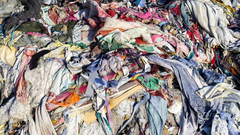 Nhiều chất lịu của thời trang mất đến 2 thế kỷ đê phân hủy