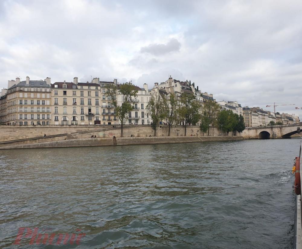 Nhiều điểm tham quan nổi tiếng ở Pháp vẫn chưa mở cửa đón khách