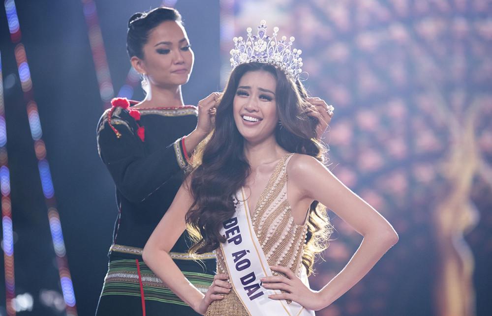 Việc quản lý, tiếp tục đào tạo các người đẹp sau đăng quang được xem là bước chuyển lớn trong việc chuyên nghiệp hoà các cuộc thi nhan sắc ở Việt Nam