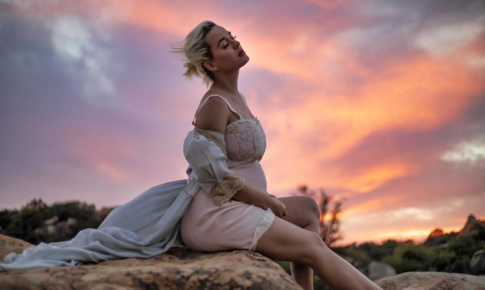 Hình ảnh Katy Perry trong MV mới ra mắt.