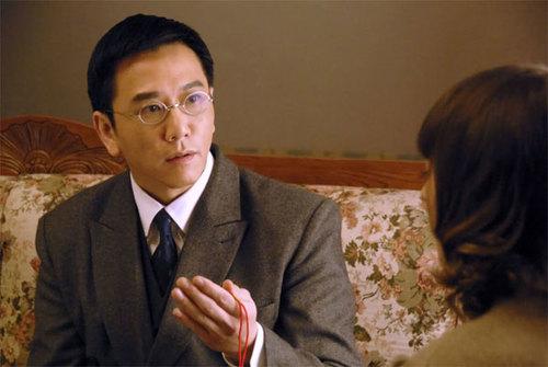 Ôn Triệu Luân trải qua nhiều cuộc hôn nhân gây xôn xao dư luận