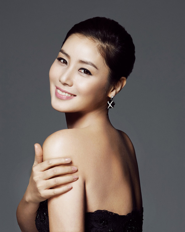 Cận cảnh nhan sắc ngọt ngào của Kim Sung Ryung.