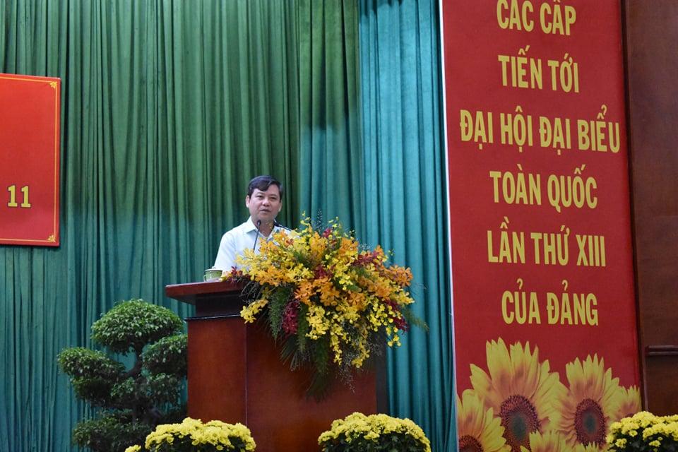 Ông Lê Minh Trí trả lời chất vấn của cử tri