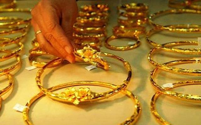Sau một ngày tăng giá mạnh lên đến 49,4 triệu đồng/lượng, hiện giá vàng SJC đã quay đầu giảm mạnh (Ảnh minh họa)